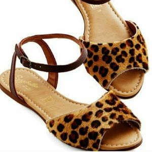 Seychelles 8 Calf Hair Leopard Print Sandals